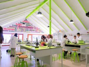 laboratorio en colegio privado internacional SEK